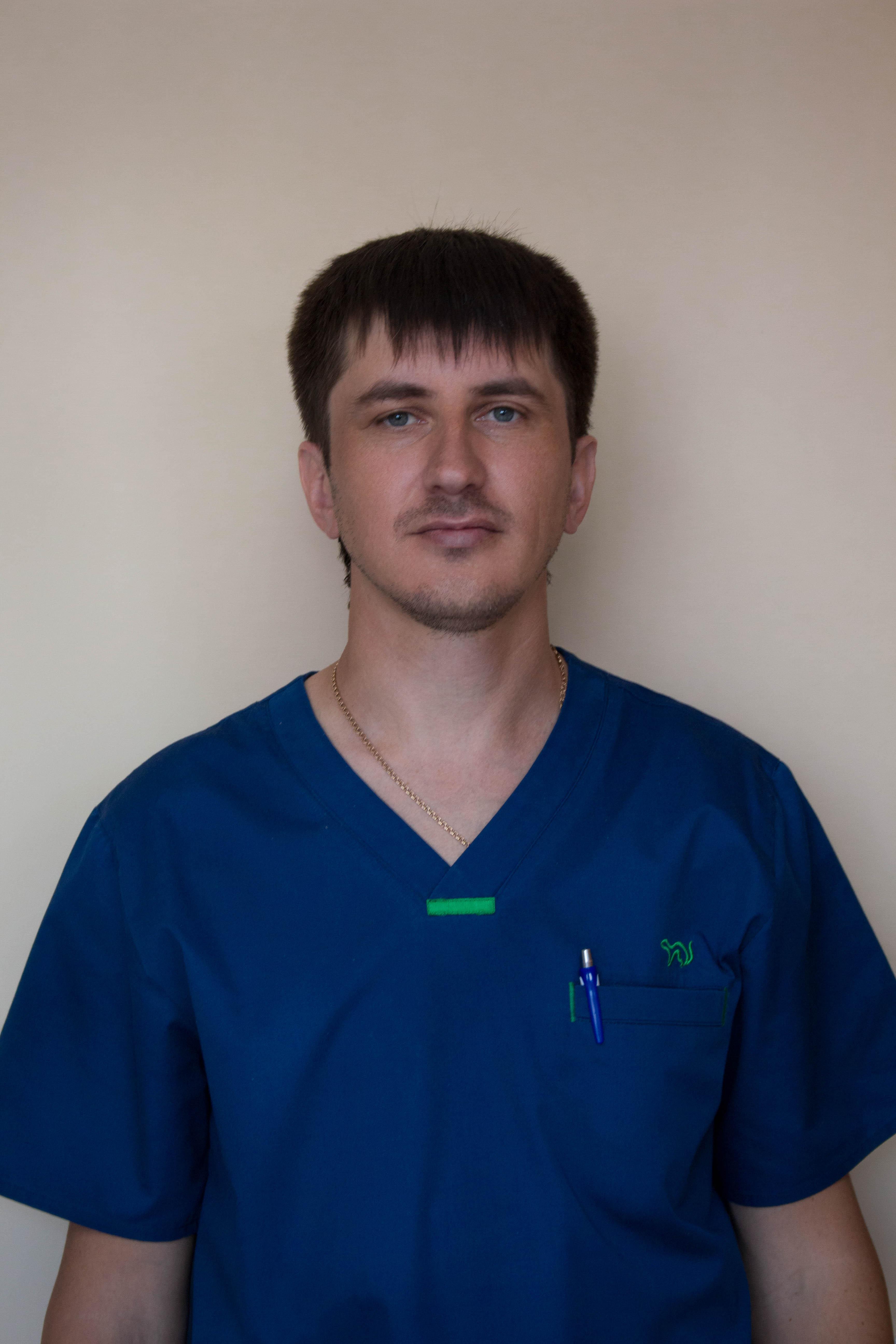 Врач отоларинголог первой категории Стариков Алексей Владимирович в центре Лоридан.